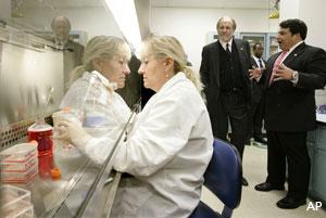 Gov. Corzine in s stem cell research lab