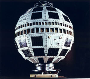 Telstar 1 communications satellite